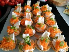 Bruschetta, Sushi, Pizza, Ethnic Recipes, Food, Alice, New Years Eve, Essen, Meals
