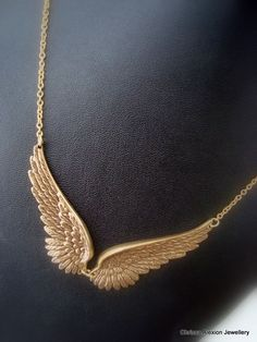 Wing Necklace Antique Gold Wing Necklace Angel Wing by LoveAlexi Cute Jewelry, Jewelry Accessories, Fashion Accessories, Jewelry Design, Fashion Jewelry, Jewelry Trends, Angel Wings Jewelry, Angel Wing Necklace, Jewelery