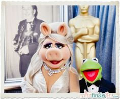 Miss Piggy & Kermit the Frog at the Academy Awards