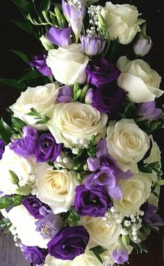 💜flowers to brighten your day💜 Unusual Flowers, Beautiful Flower Arrangements, Amazing Flowers, Beautiful Roses, Pretty Flowers, Silk Flowers, Floral Arrangements, Wedding Bouquets, Wedding Flowers