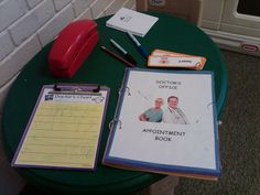 Appointment book, doctor's chart for taking patient notes All About Me Eyfs, Play Stations, Pre K Curriculum, People Who Help Us, Playing Doctor, Hair And Beauty Salon, Doctor Office, Community Helpers, Expressive Art