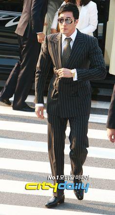 ♥ Totally So Ji Sub 소지섭 ♥: So Ji Sub in Jeong Jun Ha's wedding (20.05.2012)