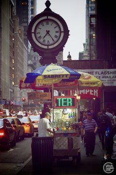 New York Obsession • newyorkersunposed:   By Alberto Reyes