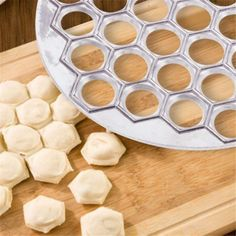 37Raviol11 Homemade Dumplings, Homemade Ravioli, Dumpling Kitchen, Dough Press, Mini Pastries, Aluminum Molding, Egg Tart, Baking And Pastry, Pasta