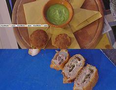"""La ricetta del cheeseburger di cipolla con salsa ai peperoni verdi di Andrea Mainardi del 24 marzo 2017, a """"La prova del cuoco""""."""