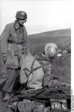 German paratroopers near Nettuno, Italy, 1944