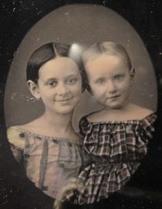 Daguerreotype. Smiling sisters from Brooklyn.