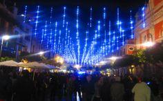 #Sevilla en #Navidad 2013: La iluminación de la concurrida Plaza del Salvador está inspirada en la desarrollada en el mercado londinense de Covent Garden