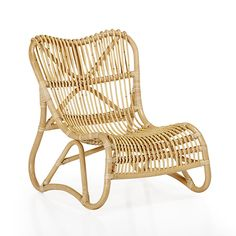 Arthur jardin Chaise relax rétro en rotin style vintage Bamboo Furniture, Outdoor Furniture, Chaise Relax, Chair Design, Furniture Design, Outdoor Chairs, Outdoor Decor, Rattan Chairs, Next At Home