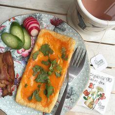Morning! Today's breakfast...Cheese on deep fried thin tofu. Crispy bacon Cucumber Radish  前日の炭水化物の摂り過ぎでお腹いっぱいな朝は油揚げチーズトーストとベーコンで軽めにそれと @mattari_mattari ちゃんからいただいたデトックスティーでピンクカラーが可愛くて朝から幸せ気分  #糖質制限 #mec食 #ローカーボ #レコーディングダイエット #糖質制限 #lowcarb #atkins #keto #lchf #油揚げ#hkig#hkfood#hkfoodie#ダイエット#ウエッジウッド#パーソナルトレーニング#gym#fitness#workout#ライザップ#247workout #hkgym by yui_on_lowcarb