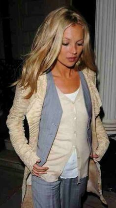 Kate Moss... How does she look so impeccable yet like she is not trying at all.  Quite the accomplishment