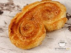 Palmieri. Imagini pas cu pas pentru palmieri Pastry And Bakery, Onion Rings, Fries, Cooking Recipes, Sweets, Baking, Breakfast, Ethnic Recipes, Desserts
