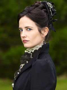 Eva Green as Vanessa Ives in Penny Dreadful (TV Series, 2014).