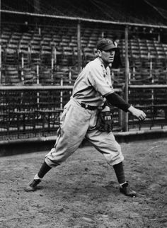 Dizzy Dean, Chicago Cubs (circa late 1930's/ early 1940's) // @Chicago Cubs