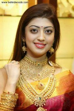 Praneetha (aka) Pranitha Subhash photos stills & images