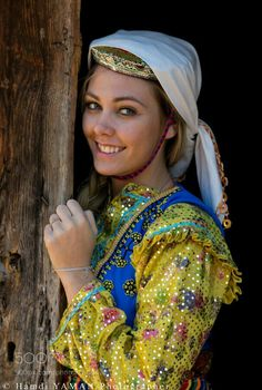Woman from Zümrüt village (Azdavay/Kastamonu) in traditional dress by Hamdi Yaman - Photo 184442215 / Caucasian Race, Turkish People, Turkish Fashion, Folk Costume, People Of The World, World Cultures, Hottest Models, Traditional Dresses, Asian Woman