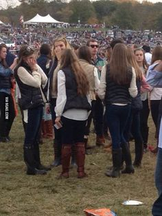 """I died!! @Ashley Bonnett   """"Apparently college girls dress like Han Solo these days"""""""