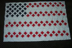 Cathedral Window Quilt US Flag; reverse and use white for the centers Union Jack for J? Flag Quilt, Patriotic Quilts, Patch Quilt, Quilt Blocks, Quilt Top, Cathedral Window Patchwork, Cathedral Window Quilts, Cathedral Windows, Origami Quilt