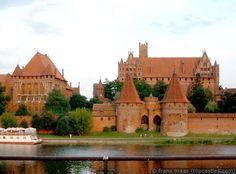 Het Slot Mariënburg was sinds 1309 het hoofdkwartier van de kruisridderstaat van de Duitse Orde. Het fraaie, grote kasteel van de Orde werd in de Tweede Wereldoorlog zwaar beschadigd, maar later gerestaureerd. Het is tegenwoordig een toeristische trekpleister van de eerste orde.