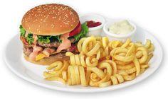 BIG BURGER  Maxi hamburger, 2 fette di Manzo, Bacon, Formaggio, Pomodoro, Insalata, Salsa Pepperone e Patatine.