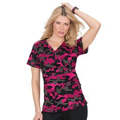 koi Stretch Women's Luna V-Neck Camo Print Scrub Top Camo Scrubs, Scrubs Outfit, Scrubs Uniform, Cute Medical Scrubs, Veterinary Scrubs, Nursing Clothes, Scrub Tops, Camo Print, Koi