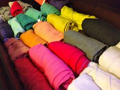 Roll your tops when packing them in your drawer. This is a pretty genius idea, because all the tops will be visible and not piled on top of each other. Source: Love Sunset Blonde Diy Storage, Diy Organization, Organizing Tips, Clothing Organization, Clothes Storage, Household Organization, Storage Ideas, Cleaning Tips, Clever Diy