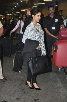Asin Leaving for TOIFA Awards 2013
