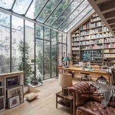 """Life&Decor on Instagram: """"Este espacio no me puede gustar más!!! . . @espaces_atypiques . . #window #ventanal #booksbooksbooks #decoracion #interiorismo…"""""""