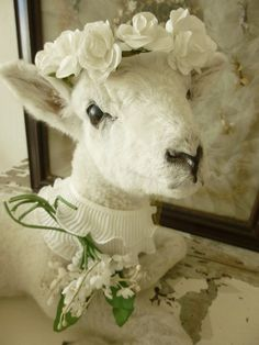 So sweet so lovely... vintage lamb by CharmantCharmant on Etsy