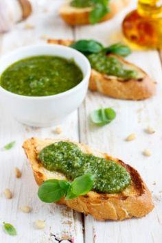 chrupiąca grzanka z oliwą z oliwek