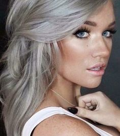 Just look at the silver blonde hair color of this girl in pic Ash Blonde Hair, Blonde Ombre, Ombre Hair, Grey Blonde, Grey Ombre, Neutral Blonde, Silver Grey Hair, Ash Grey Hair, Ash Hair