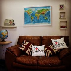 One of our large range of framed world map Pinboards. Just created at IPosters #iposters #pinboard #map #worldmap #travel