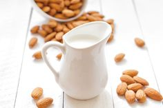 That's why alternative milks like oat milk and almond milk are now popular. So, between oat milk vs almond milk, which one is actually better? Almond Milk Recipes, Homemade Almond Milk, Raw Food Recipes, Healthy Recipes, Healthy Food, Detox Recipes, Drink Recipes, Healthy Eating, Fruit Smoothies