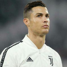 Cristino Ronaldo, Cristiano Ronaldo Juventus, Real Madrid Team, Soccer Bedroom, Chef Jackets, Brie Larson, Mens Fashion, 4 Life, Characters