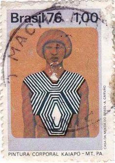 selo pintura corporal kaiapó Brazil People, Interesting Drawings, Sweater Design, My Drawings, Illustrators, Moda Emo, Baseball Cards, Post Office, Roots