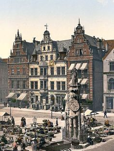 Here we present a dramatic image of Rolands Monument, Bremen, Germany. This color photochrome print was taken between 1890 and 1900 in Bremen, Germany.