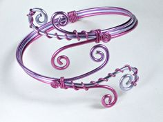 Adjustable bracelet in wire wrapped aluminium pink, lavender and purple (Wire wrapping aluminum)