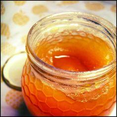 7 Remédios caseiros para as dores de garganta  1- Gelatina Quente Misture o seu sabor preferido de gelatinasegundo as instrucçoes da embalagem e em vez de deixar arrefecer e solidificar lev...