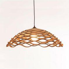 Lámpara Lugh de corcho, del diseñador portugués Tiago Sá