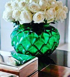 Красота -как драгоценный камень:чем она проще,тем драгоценные! Salon-lab.ru М.Китай город,Покровский бульвар,16/10 Запись по тел. 8(495)9696398 8(903)1981899