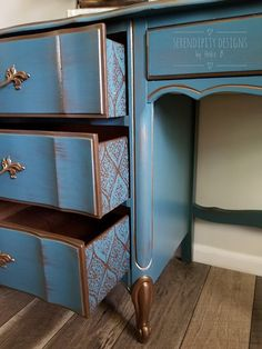 Trendy Painted Furniture Before And After Upcycling Diy Ideas Diy Furniture Redo, Chalk Paint Furniture, Hand Painted Furniture, Refurbished Furniture, Colorful Furniture, Repurposed Furniture, Furniture Projects, Vintage Furniture, Home Furniture