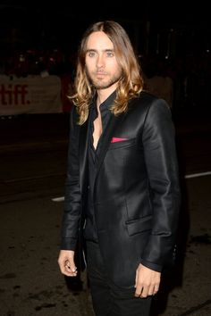 Matthew and Camila Join Jen and Jared on the Dallas Buyers Club Red Carpet: Matthew McConaughey and Camila Alves showed sweet PDA inside the event. : Jared Leto arrived at the event.