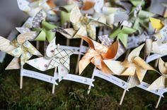 Pinwheel escort cards // Hawaiian Ranch Wedding, Photography by: Rachel Robertson Photography