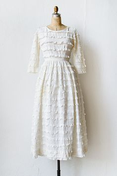 Vintage 1960s tiered eyelet wedding dress | The Bride of Seville Dress