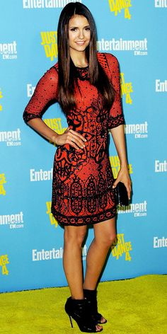 Nina Dobrev - Look of the Day - InStyle  Nina Dobrev styled her beaded Jenny Packham sheath with a black Jimmy Choo clutch and peep-toe booties at Entertainment Weekly's Comic-Con bash.    WHY WE LOVE IT The actress looked as polished as royalty in one of Catherine Middleton's go-to designers!