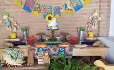 Decoração de festa junina: 90 ideias coloridas e bem criativas Wind Chimes, Diy And Crafts, Table Decorations, Outdoor Decor, Home Decor, Versailles, Flowers, Traditional, Atelier