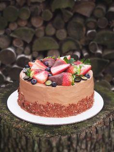 Live to Bake: Čokoládová torta s jahodami Baby Cakes, Chocolate Cake, Cheesecake, Food And Drink, Cupcakes, Jar, Sweets, Cooking, Recipes