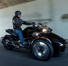 Introducing Can-Am's 2015 Spyder a stylish and sporty yet aggressive and racey open-air vehicle. Part motorcycle, part trike, part Batman's Bat Pod, th Motorcycle License, Trike Motorcycle, Motorcycles For Sale, Cars Motorcycles, 6 Speed Transmission, Can Am Spyder, Power Bike, Triple Black, Motorbikes