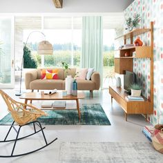 More midcentury modern furniture for the modern-day home. The Portobello midcentury modern furniture range at Maisons Du Monde is extensive too, taking in the living room, the bedroom and the home office. Midcentury Modern, Mid Century Modern Furniture, New Living Room, Living Room Modern, Living Room Decor, Vintage Regal, Vintage Tv, Style Vintage, Affordable Furniture