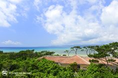 小浜島の自然、海に囲まれ西表島を一望できる展望台浴場。 ゆったりと湯に浸かりながら疲れを癒すことができます。